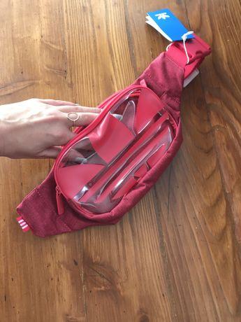 Czerwona nerka marki Adidas stan nowa