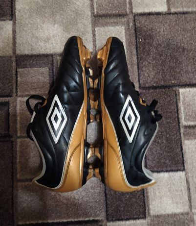 Umbro Speciali 4 Shield FG