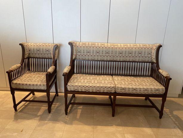 Conjunto cadeirao e namoradeira antigos