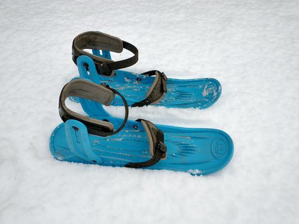 Narty, snowboard, Microski