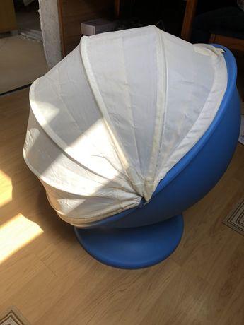 Cadeira ovo IKEA criança