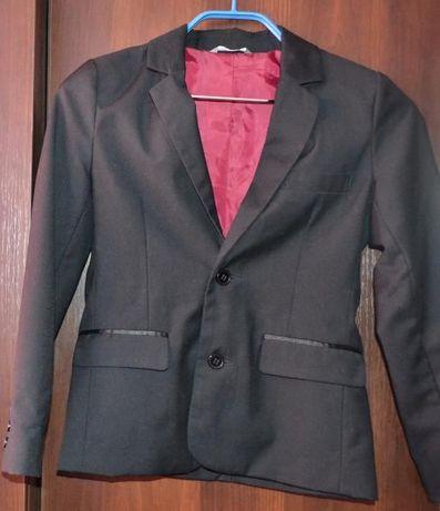 Школьный пиджак Kids рост 140 см мужской, черный цвет.