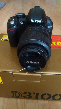 Aparat lustrzanka Nikon D3100 z akcesoriami