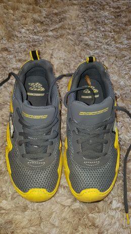 Oryginalne buty sportowe SKECHERS r.33
