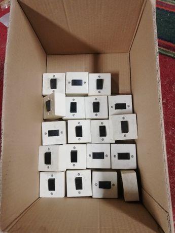 Продам одноклавишный выключатель света 220В.