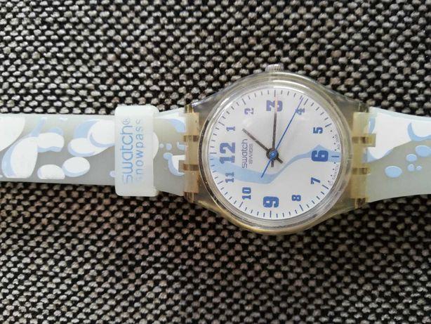 Relógio Swatch azul e branco