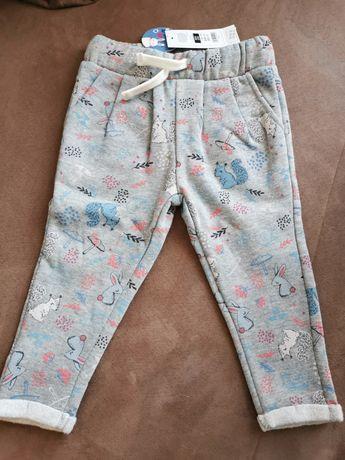 Spodnie dziewczęce r. 80