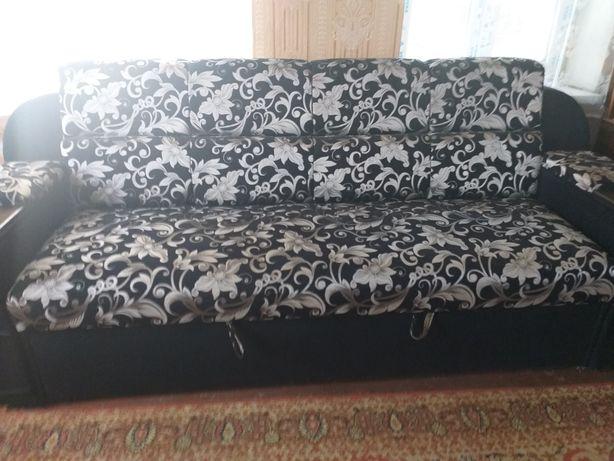 Срочно,продаю  раскладной диван