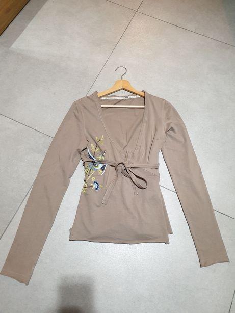 Piękna bluzka z haftem rozm M