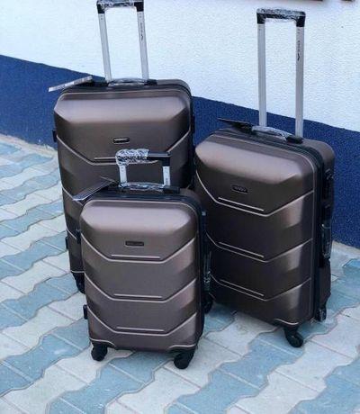 Чемодан Wings ultra валіза на 4-х колёсах сумка Нова чемодан РІЗНІ