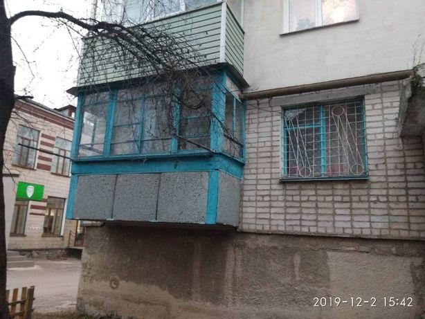 Продам 3-х ком.кв. Чешского проекта под офис. в центре города Кирова,6