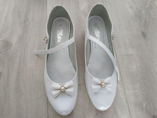 Buty komunijne dla dziewczynki białe