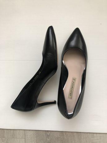 Туфли Bravo Moda черные лодочки