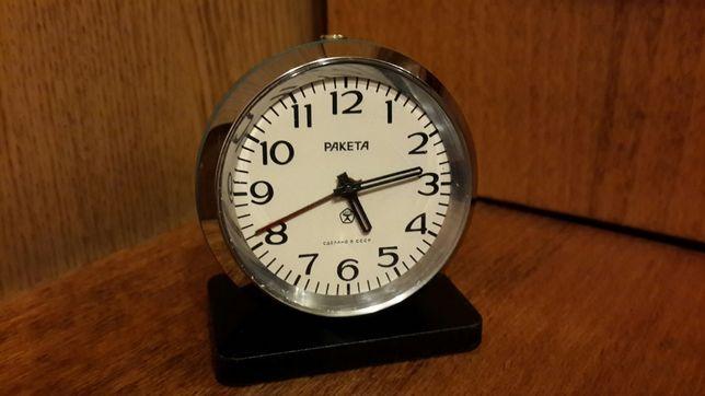 """Часы-Будильник """"Ракета"""" 70-е года ссср."""