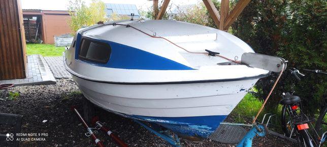 Łódź kabinowa, łódka wedkarska