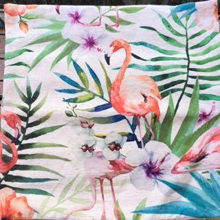 Bonitas capas de almofadas decorativas com Flamingos