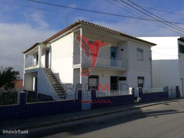 Casa r/chão e 1º andar  em Avis- Alto Alentejo