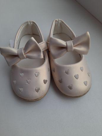 Красивенные туфельки для девочки