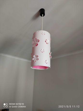 Candeeiro de menina branco e rosa