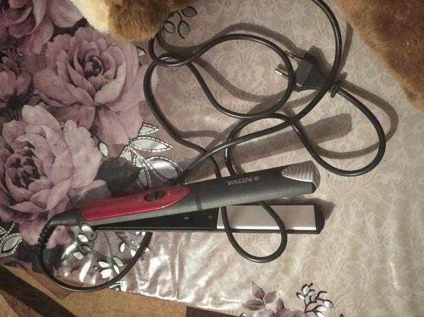Вирівнювач для волосся