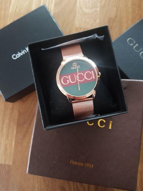 Zegarek Gucci brokatowy cyberblat