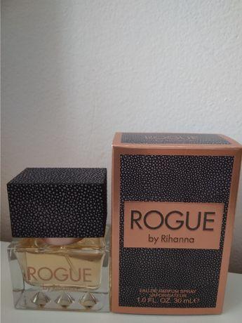 Rihanna Rogue- woda perfumowana