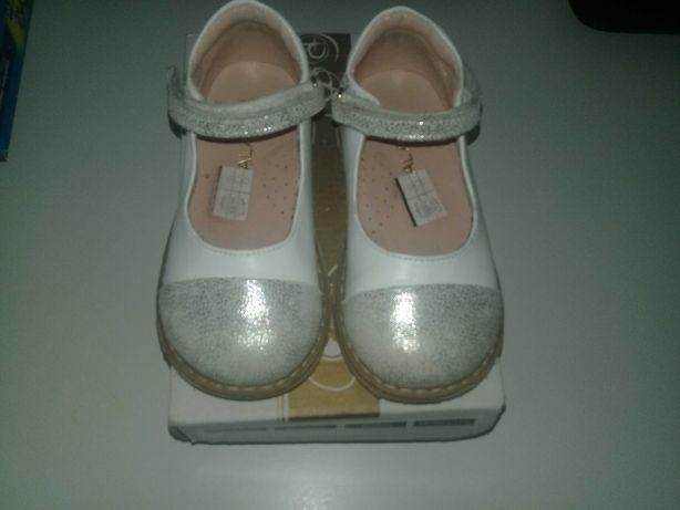 Дівчачі туфлі для дівчинки