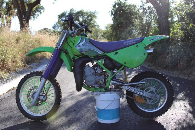 Kawasaki Kx 80 (Motor Novo)