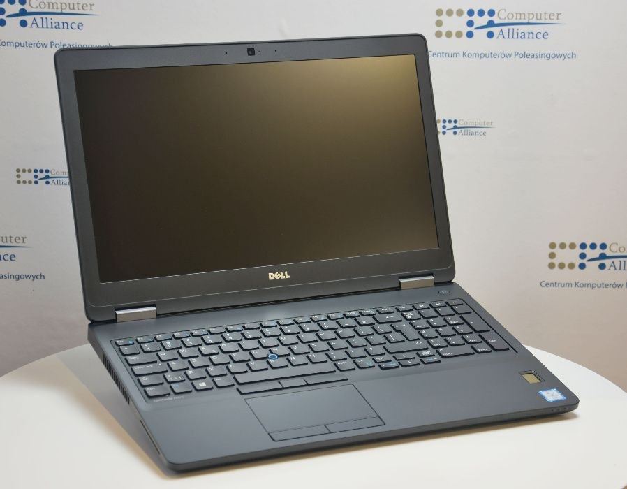 Dell 5570 i7-6820HQ 8 x 3,60 GHz 8 GB 256 GB SSD Win 10 Kraków - image 1
