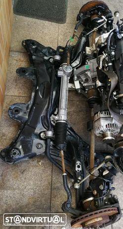 Mecânica Fiat 500 1.3MJET , charrio, mangas de eixo, braços, transmissões, direcção, amortecedor direito.