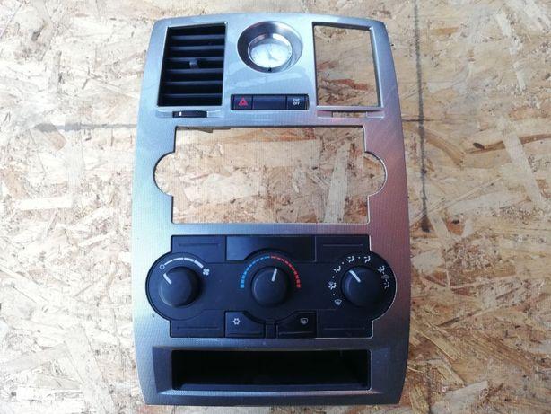 Panel klimatyzacji Chrysler 300C 870AJ