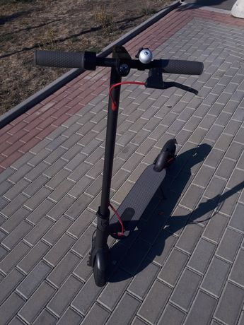 Электросамокат XIAOMI Mi Electric Scooter (оригинал)