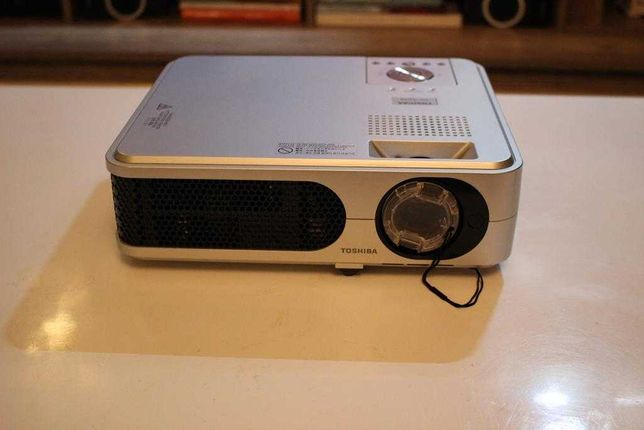 Projektor  Rzutnik Toshiba TLP-XD2000