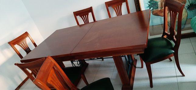 Mesa de jantar mais 6 cadeiras