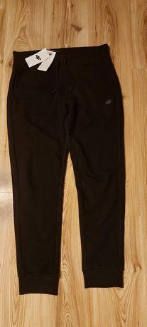 Spodnie dresowe 4F męskie L