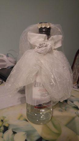 ubranka/dekoracje na butelki weselne