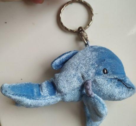 игрушка мягкая дельфин шарики крутой лапки-веревки на карабине брелок