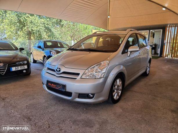 Toyota Corolla Verso 2.2 D-4D 136 CV 7 lugares IUC Antigo