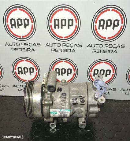 Compressor ar condicionado Renault Clio 2 1.2 16V referência 8200840770