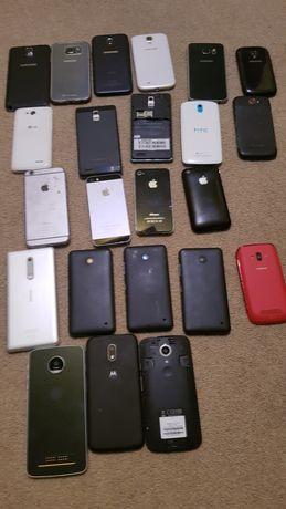 Zestaw 23 smartfonów i 7 tabletów.
