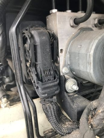 Mercedes CLA W117 GLA W156 WTYCZKA kostka elektryczna pompy abs