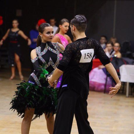 Продам платье для бальных танцев (латина)
