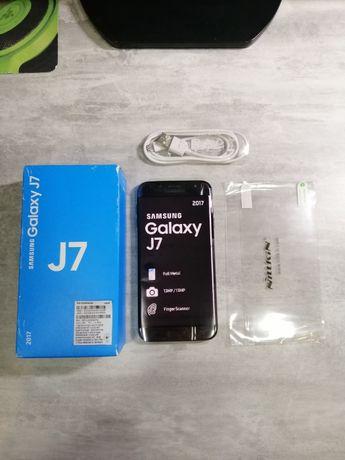 Samsung Galaxy J7 2017 + 2 Новых чехла + Новая защитная пленка