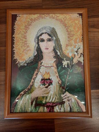 Obraz haftowany, Matka Boska. Rękodzieło w ramię