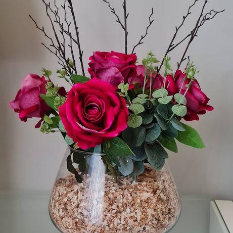 Arranjo com rosas aveludadas