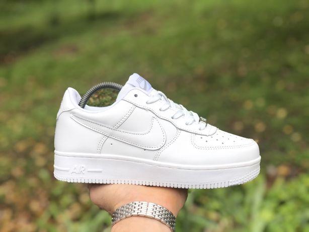 Женские,подростковые кроссовки Nike Air Force белые низкие кожаные