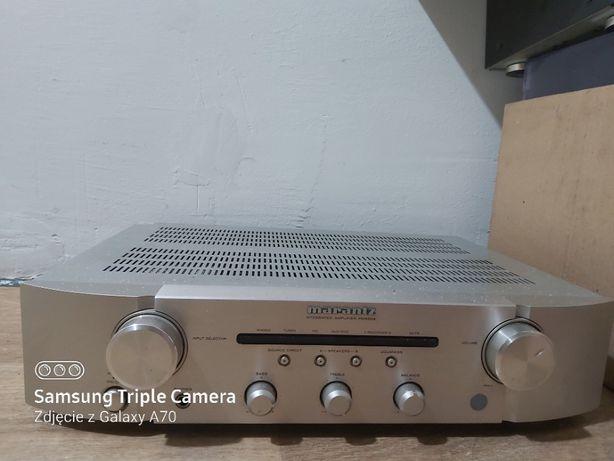 wzmacniacz stereo firmy marantz - model PM 5004