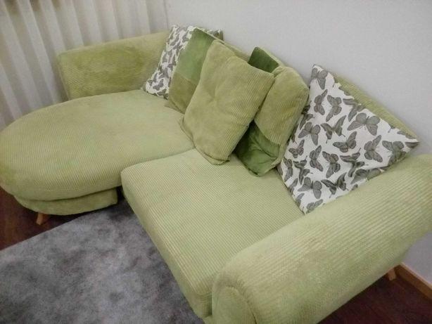 Vendo sofá  com puff