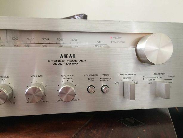Akai AA 1020 japoński amplituner