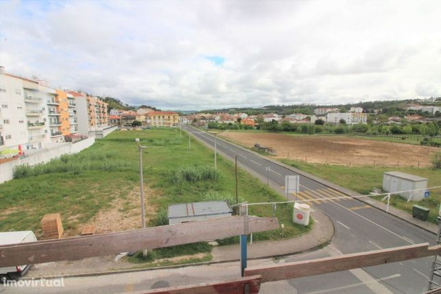 Apartamento T3 NOVO - Com Garagem e Sótão